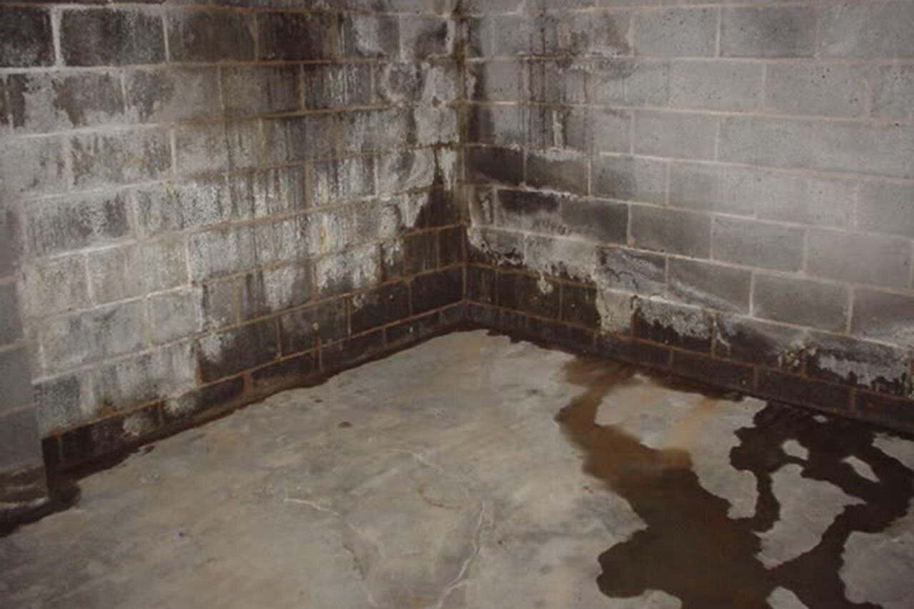Typical Tell-Tale Symptoms of A Basement Water Problem